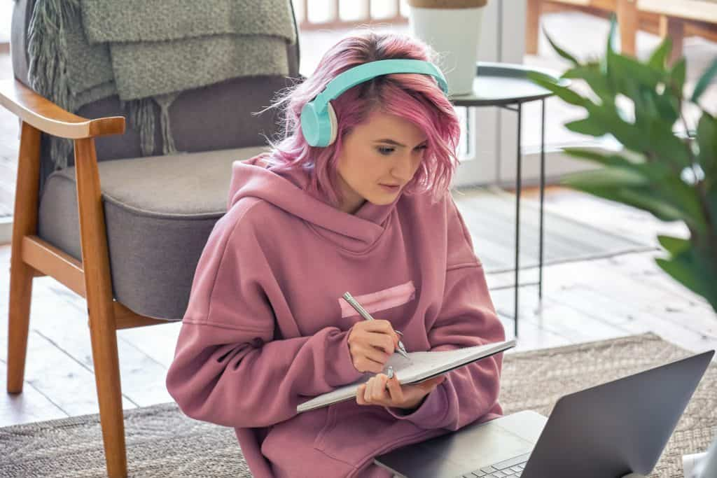 girl studying for real estate exam