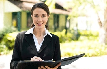 5 Signs Now Is a Good Time to Start a Real Estate Career