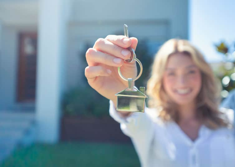 New real estate agent holding the key to her future